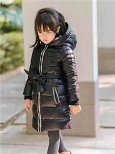 玲珑黑色羽绒衣