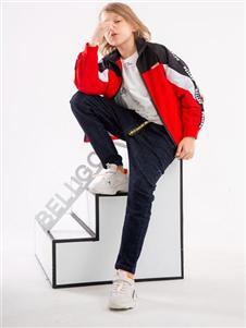 贝力高红色外套