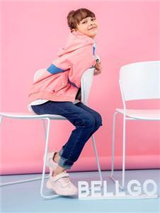贝力高粉色外套