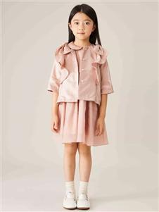 金果果粉色连衣裙