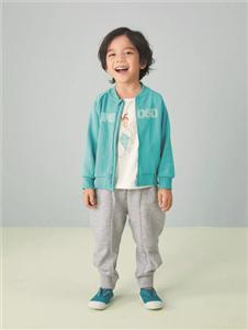 金果果蓝色外套