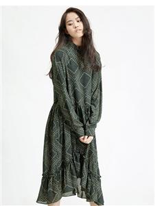 劉劉墨印花連衣裙