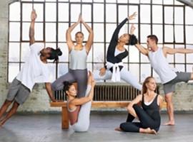 耐克推出瑜伽系列 对标lululemon