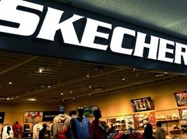 """国内市场再添""""鞋王"""":打败阿迪、耐克,一年卖出两千万双"""