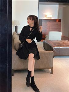 谜秀黑色连衣裙