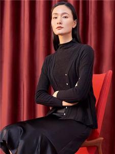 淺秋黑色針織外套