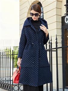夢莎奴藍色大衣