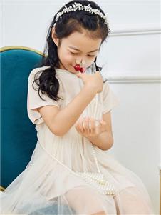 V-rules白色公主裙