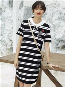 雀啡春季新款时尚条纹连衣裙