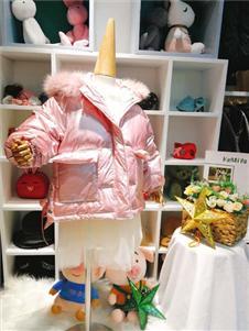 可米芽童装粉色外套