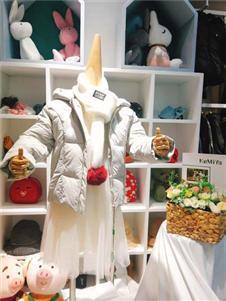 可米芽童装冬装外套
