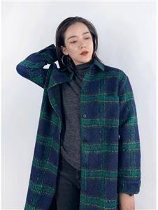 筱陌格子大衣