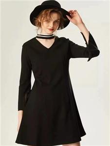 衣魅人2020小黑裙