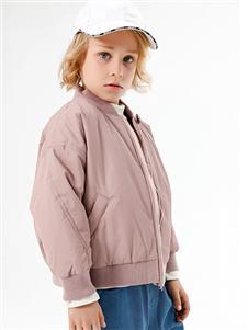 李田粉色外套