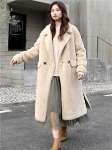 芭依璐长款毛绒外套