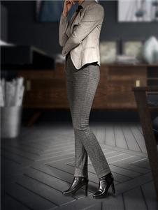 黑贝灰色长裤
