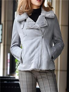 黑贝灰色外套