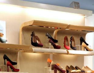 """""""蹭上网红""""李子柒,这家鞋企迎14个涨停"""