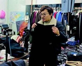 记者蹲点泺口服装城,记录传统商户转型之路