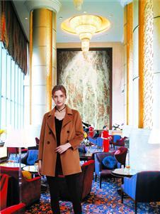 邦莎贝尔棕色大衣