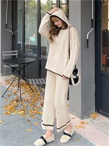 毛菇小象带帽针织衫