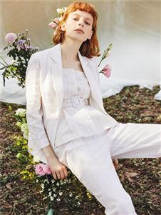 MYMO白色外套