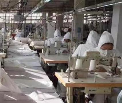 """为战""""疫""""共奋进 这些纺织服装企业开足火力向前冲"""