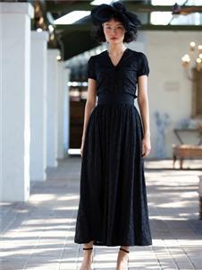 香莎女装2020春夏款黑色连衣裙