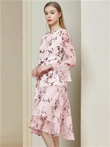 贝洛安女装贝洛安2020春夏装粉色连衣裙