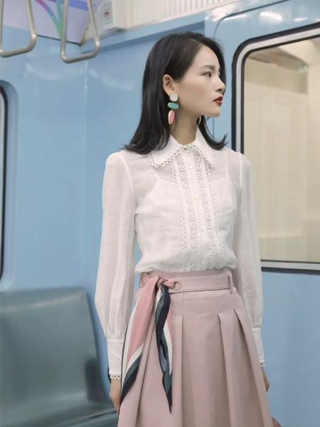 卡蔓2020春装粉色半身裙
