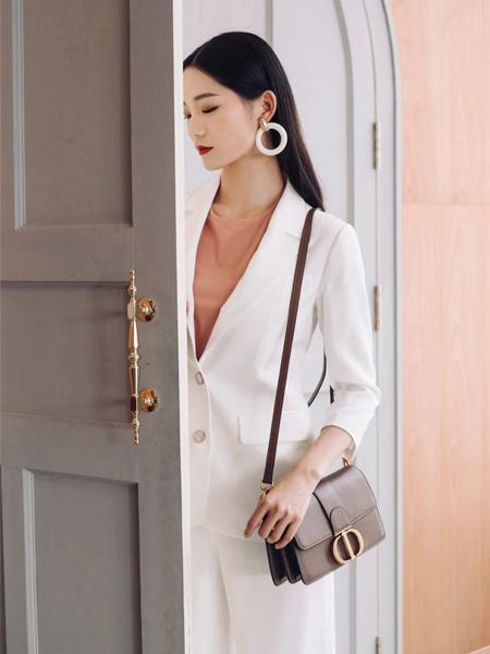 卡蔓2020春装白色西装