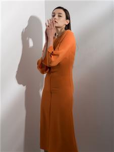 阿莱贝琳2020春装橘色连衣裙