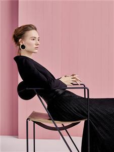 歌锦2020春款黑色连衣裙