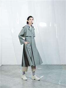 伊迪索2020春款时尚风衣