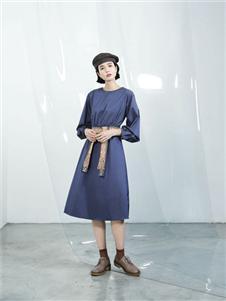 伊迪索2020春款蓝色连衣裙