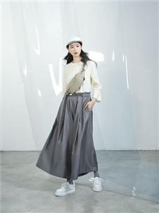 伊迪索2020春款灰色半身裙