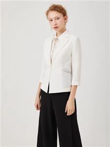 红凯贝尔2020春款白色外套