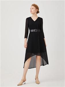 红凯贝尔2020春款黑色连衣裙