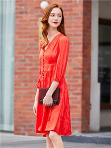 音菲梵女装新款红色连衣裙