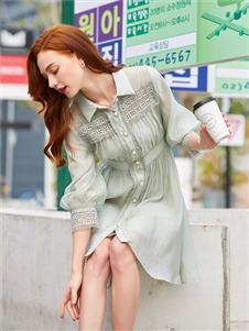 音菲梵女装2020浅绿色衬衫裙