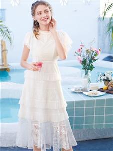 莉雅莉薩LIYALISA白色連衣裙