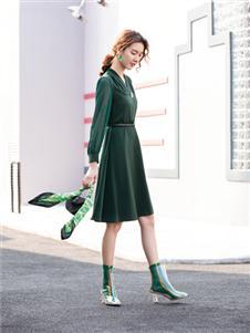 布根香女装绿色连衣裙