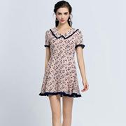 音非轻奢轻淑女装紧跟服装潮流 新颖款式吸引众多女性消费者