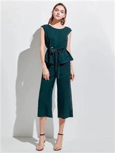 衣魅人夏时尚知性套装