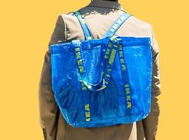 """2000美元的""""宜家购物袋"""",时尚越来越难懂了?"""