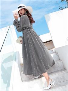 衣艾女装优雅连衣裙