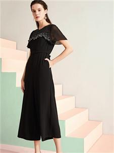 乔帛JAOBOO黑色连衣裙