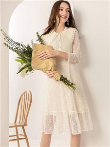 蓝缇儿白色连衣裙