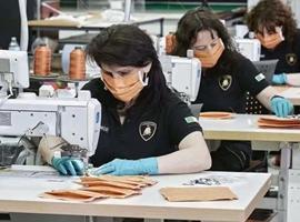 Supreme联名兰博基尼、Puma x 法拉利,豪车品牌盯上了时尚市场?