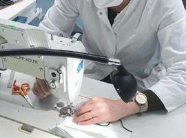 迪奥官微公布工坊工匠造口罩过程 生产效率、卫生等遭吐槽
